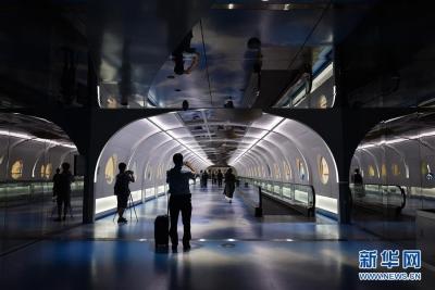 """博物馆""""进""""机场——广州白云国际机场""""海天走廊""""启用展现丝路之美"""