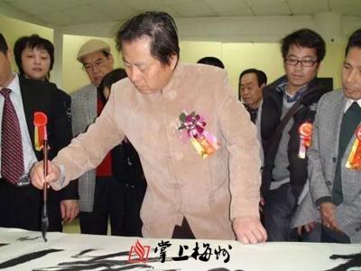 刘冑人:为梅州客家抗战老兵造像