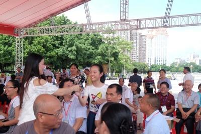 一起来邂逅诗和远方!梅江区近200名文人墨客共度诗人节